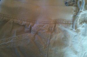 Shorts vita detalj