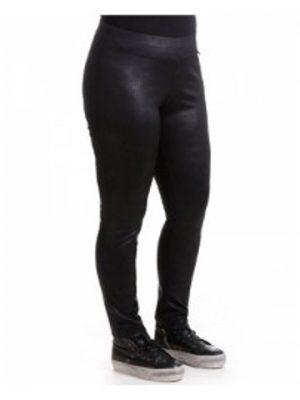 Tuffa leggings i fake skinn från maT Fashion