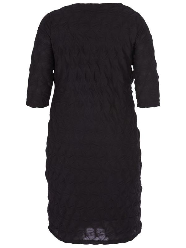 Svart klänning i stora storlekar