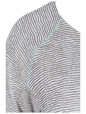 Svart tröja med struktur raglanskärning