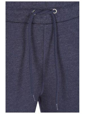 Dragskolinning på dessa byxor i stor storlek