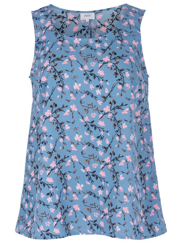 Matcha blusen med shorts i samma tyg och använd i stället för en sommarklänning 2018