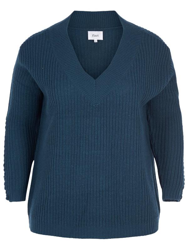 Grovstickad blå tröja i stora storlekar