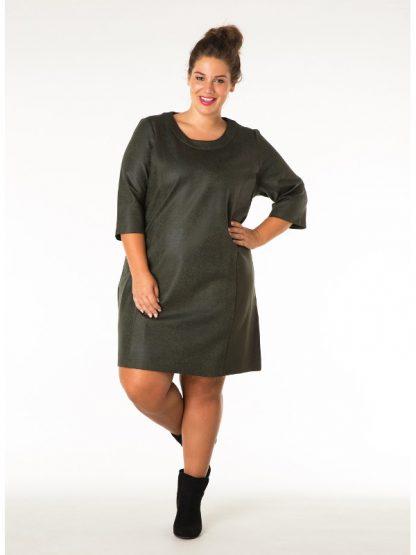 FEstklänning för dig som kräver en större storlek