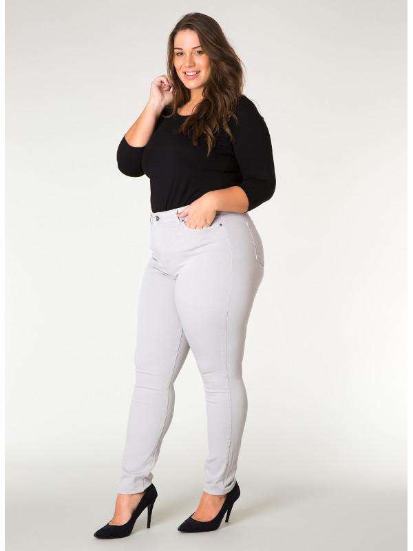 Slim fit byxa i storlek 50