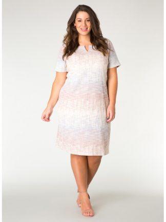 Knälång klänning i storlek 50
