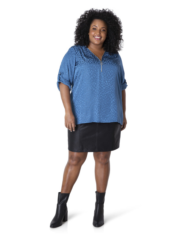 Blås fin blus i stora storlekar