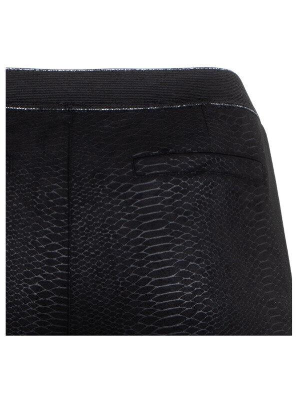 Snyggt ormprint på dessa leggings från Adia i plussize