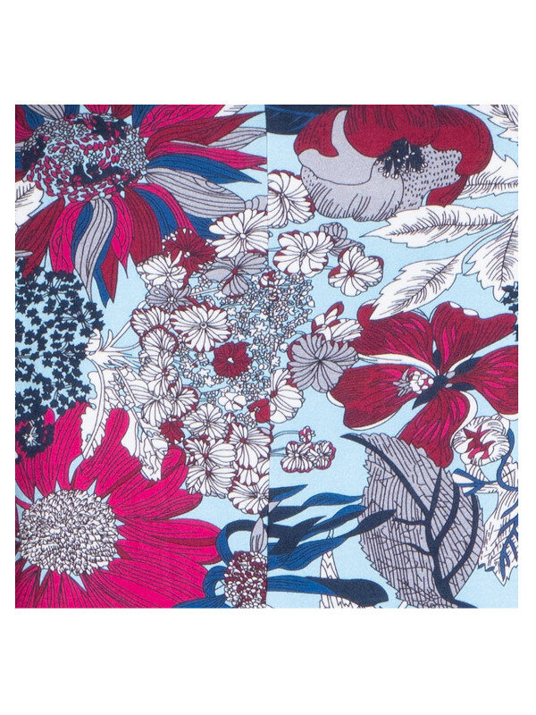 Blommigt mönster i blått, vinrött, vitt och svart