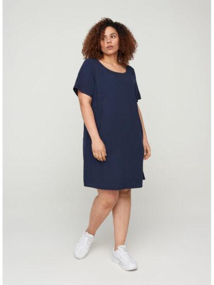 A-lindeformad klänning i storlek 46-48
