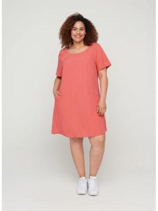 A-linjeformad klänning i stor storlek