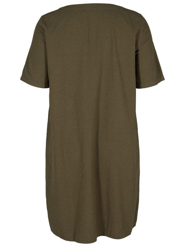 Rymlig klänning i bomull